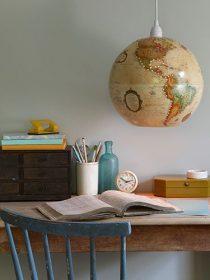 Globe terrestre utilisé comme luminaire
