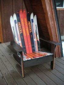 Fauteuil fabriqué en skis et en bois