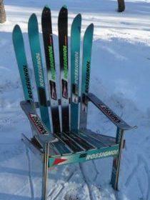 Fauteuil entièrement conçu en skis