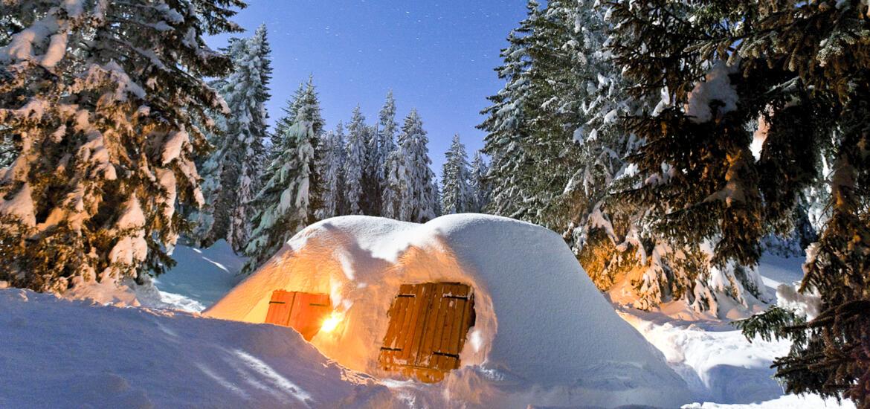 Nuit dans un igloo à la montagne