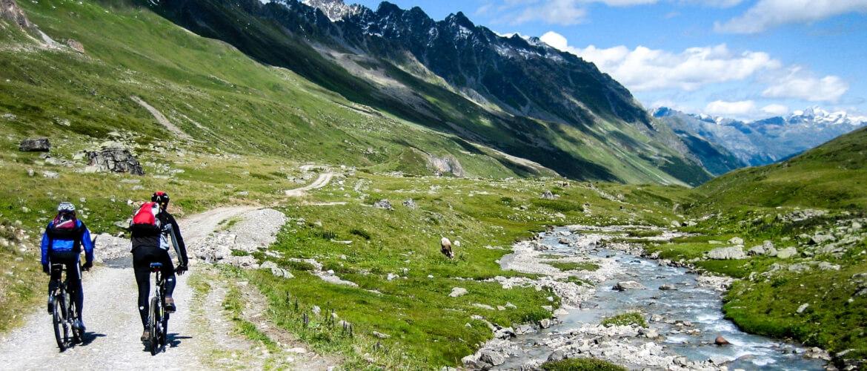 Randonnee en velo sur les chemins de montagne