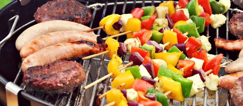 Brochettes d'halloumi grillees au barbecue