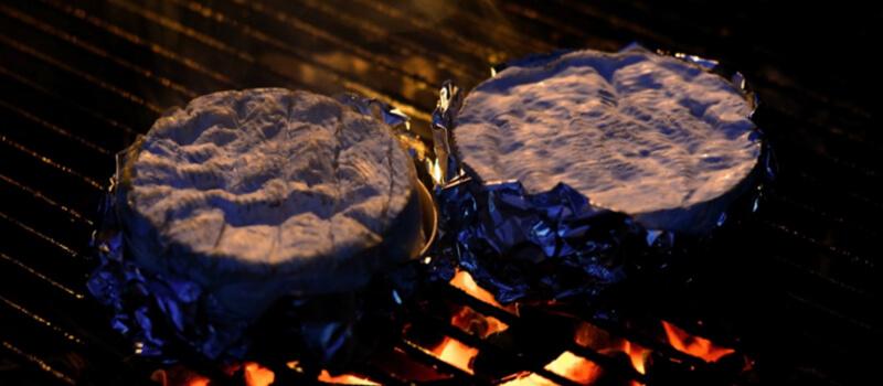 Camenbert cuit au barbecue