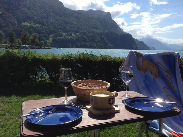 Fondue savoyarde et suisse