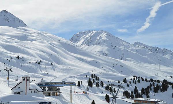 station de ski moyenne montagne
